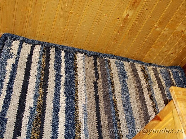 Квадратный коврик своими руками из старых вещей 195